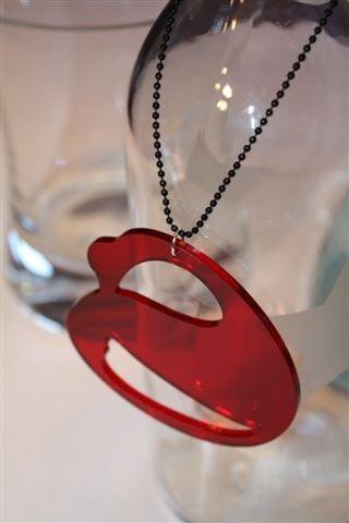 SWAN - ciondolo in plexiglass CIGNO nero o rosso