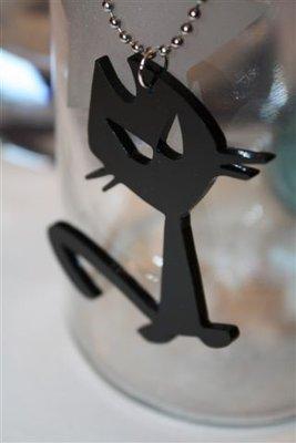 Gatti in plexiglas ciondoli con catena a pallini - Oggetti in plexiglass ...