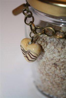 Chocolate - Bracciale in bronzo con charms in porcellana e legno