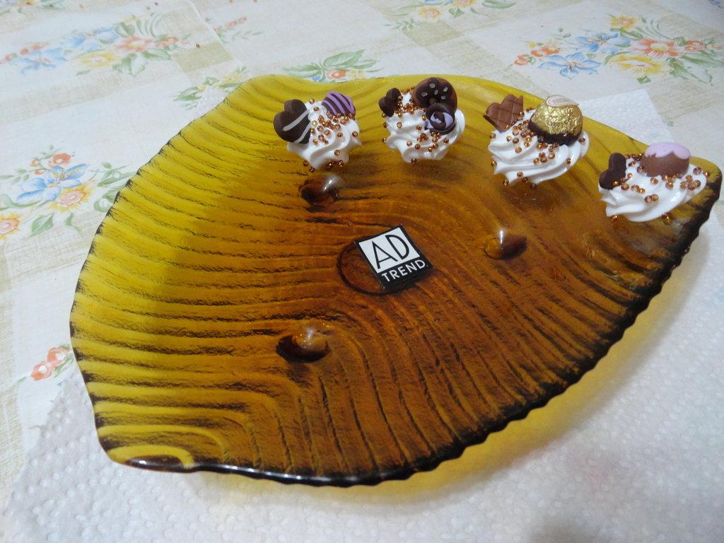piccoli vassoi portacioccolatini , o  portabiscotti