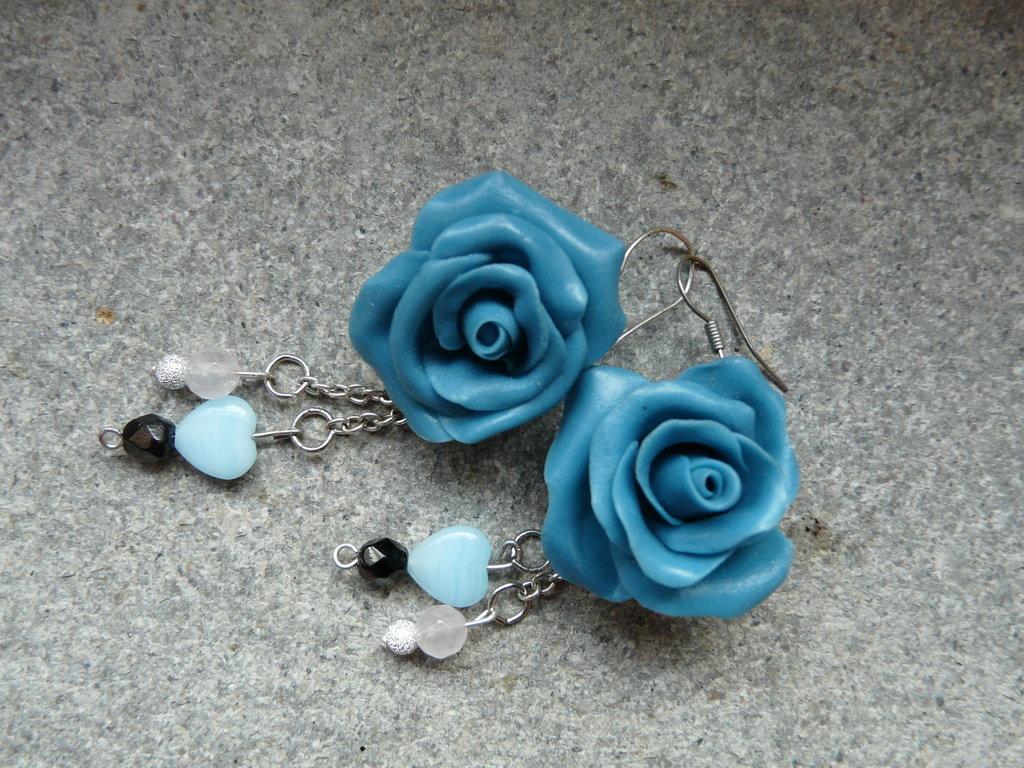 deliziosi orecchini roselline blu