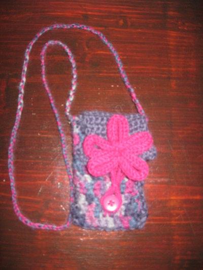 porta cellulare in lana fatto a mano