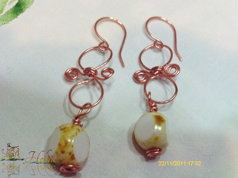 Orecchini rame e perle di vetro