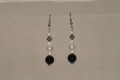 orecchini in onice e perle swarovski