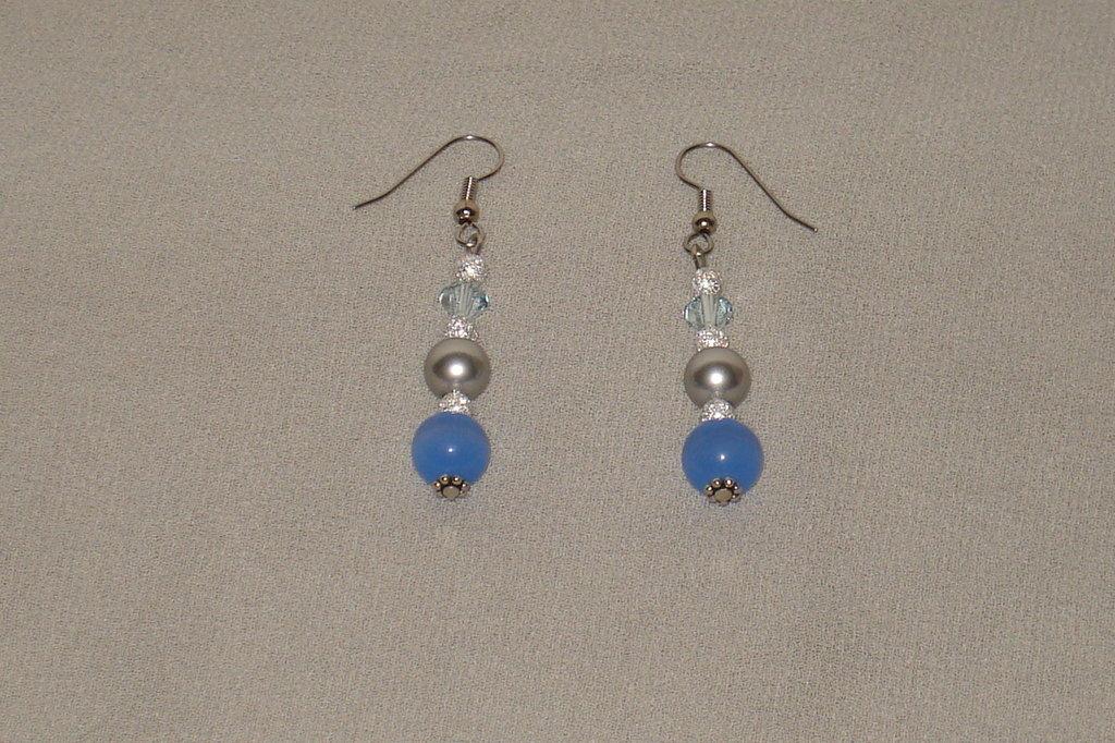 orecchini perle occhi di gatto azzurre