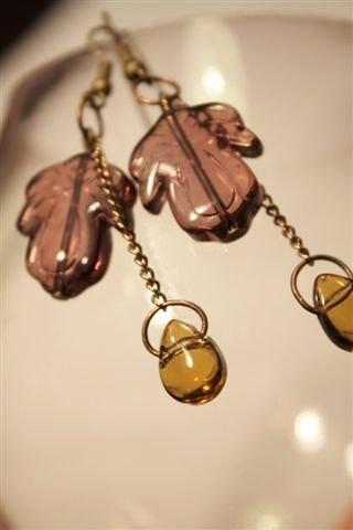 Autumn Earrings  - Orecchini con foglie e ghiande in vetro vintage