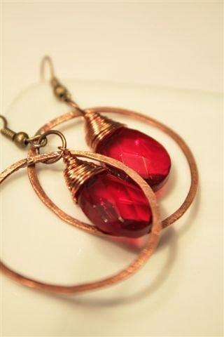 Red Rubin Drops Earrings - Orecchini con gocce sfaccettate rosso rubino