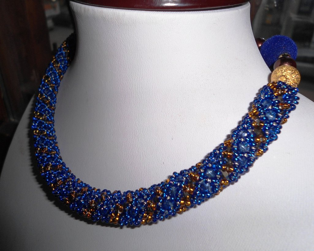 girocollo blu gift