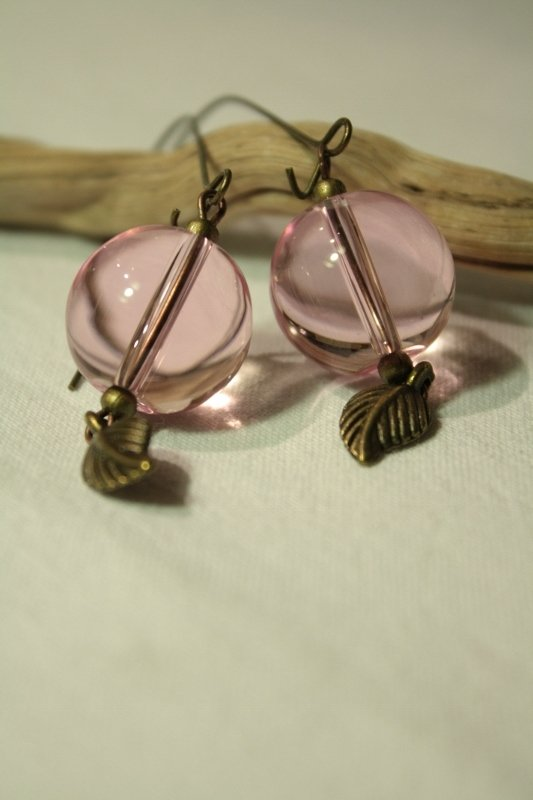 Vintage Pink Earrings - Orecchini con perlona in vetro e foglia
