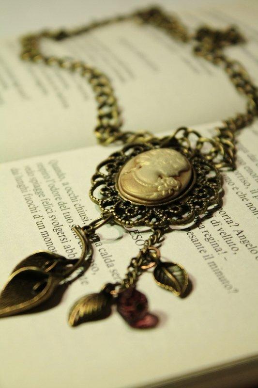 Cameo Necklace - Collana bronzo con cammeo vintage