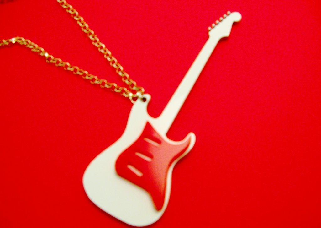 Collana Guitar - Guess Who?