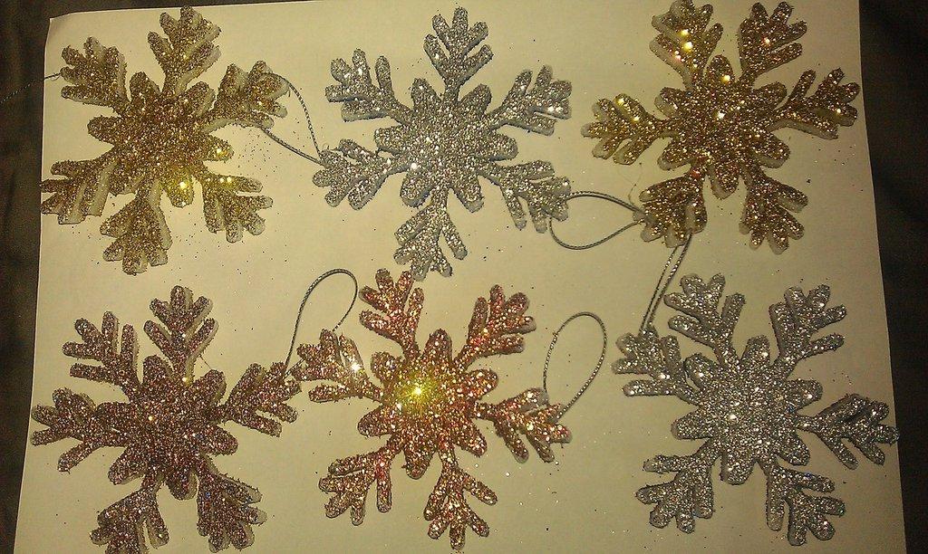 fiocchi di neve decorativi