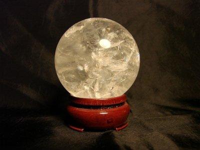 Sfera in Quarzo Ialino con Supporto in Legno (6 cm diametro) [800205]