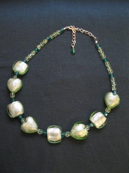 Collana con perle in vetro e cristalli Boemia - colore verde