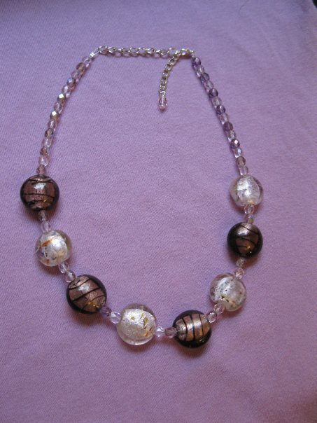Collana con perle in vetro e cristalli Boemia - viola e rosa