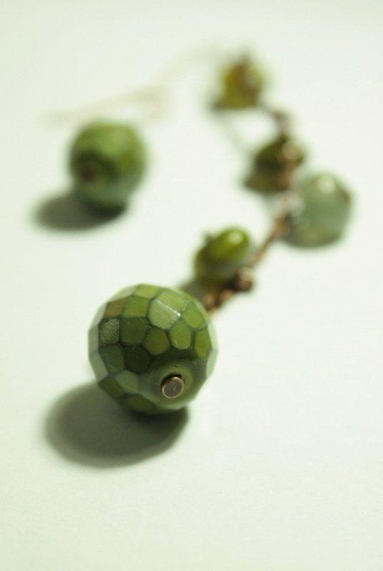 Green Cones Earrings - Orecchini con perle in vetro come pigne