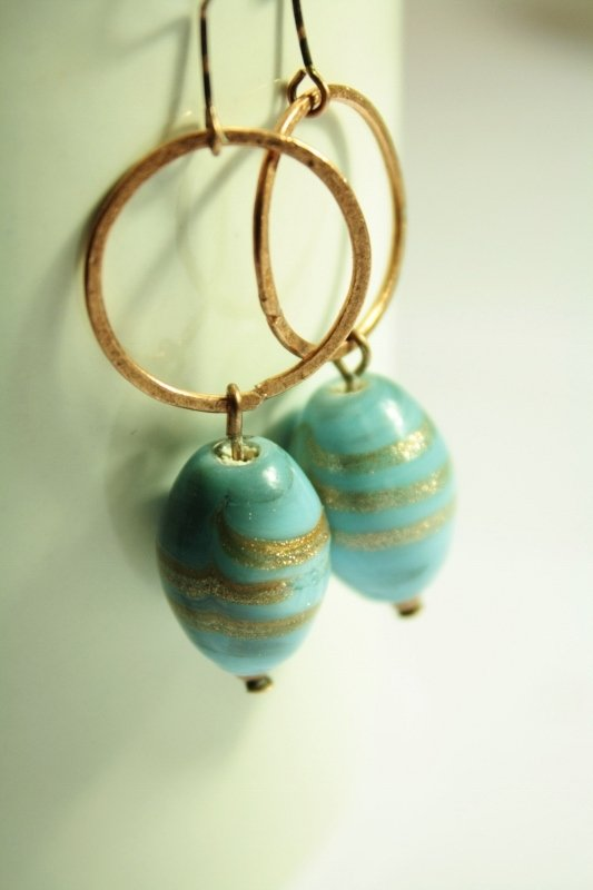 Gold Dust Earrings - Orecchini con perle in vetro murano decorate in oro