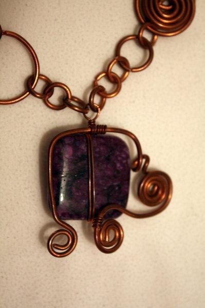 collana con pietra viola