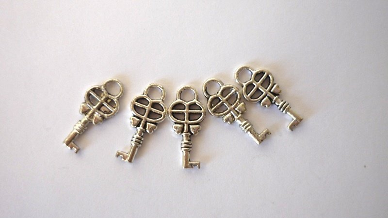 Charms set chiavi argentato anticato Nickel free