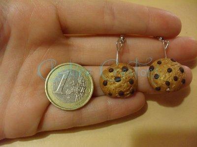 orecchini biscotti con gocce di cioccolato