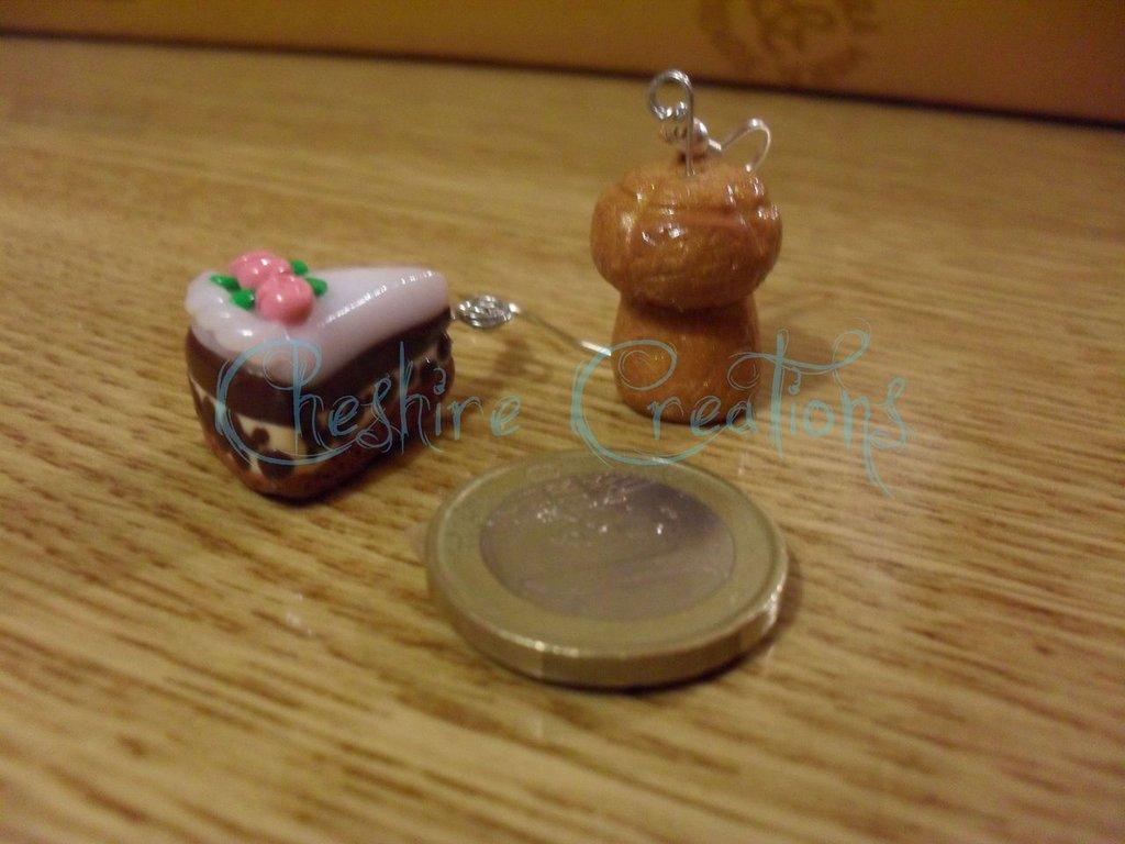 orecchini fetta di torta e tappo di spumante