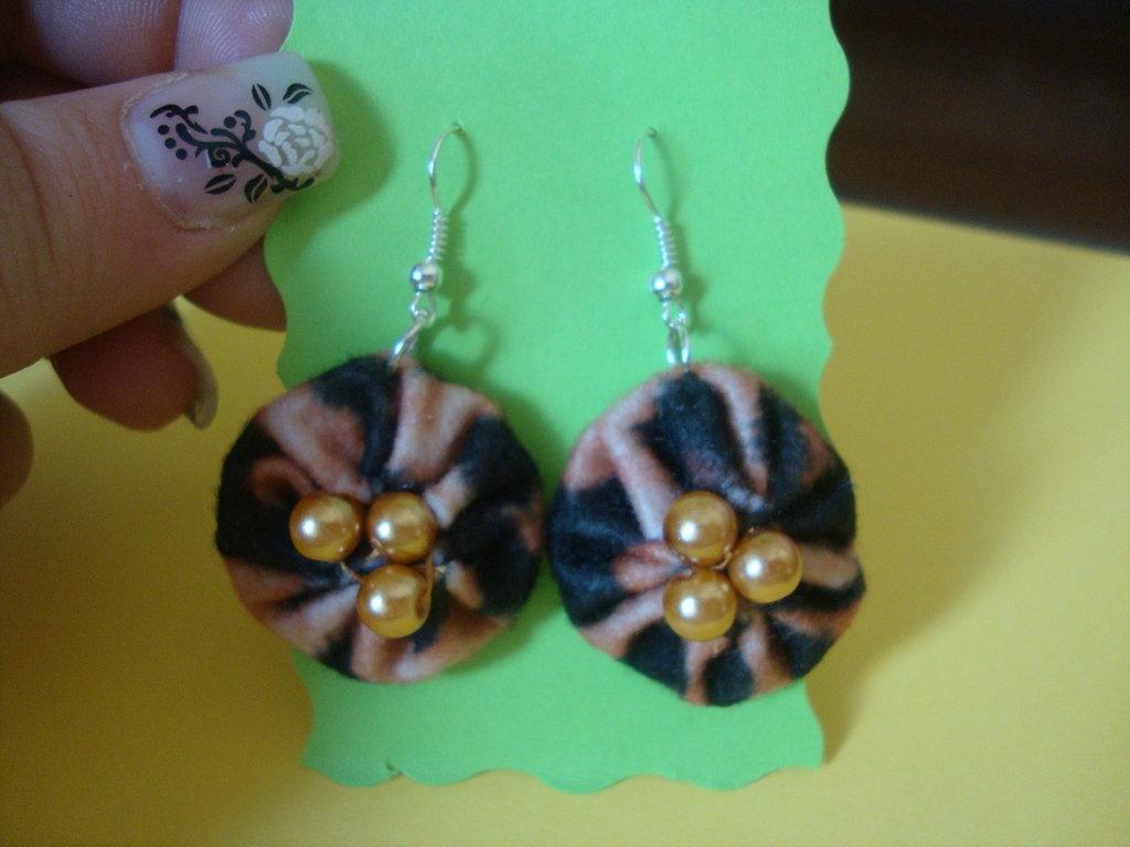 orecchini feltro e perline , maculato