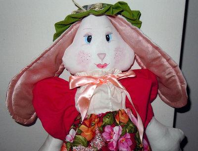 Bambola di pezza coniglietta