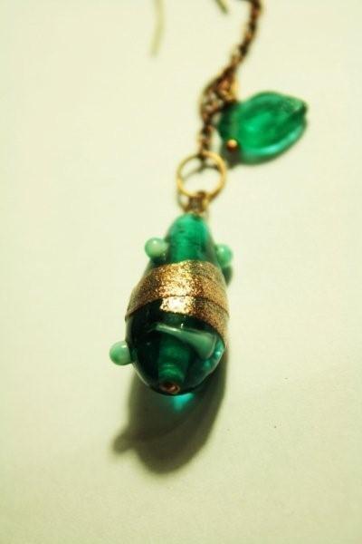 Orecchini irregolari con perle in vetro di MURANO