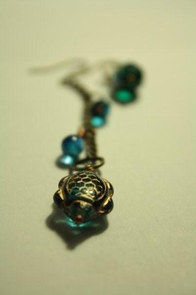 Sea Turtle Earrings - orecchini irregolari con perle americane