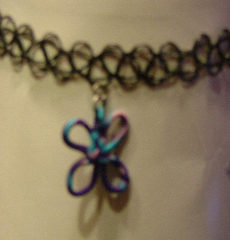 girocollo farfallina viola