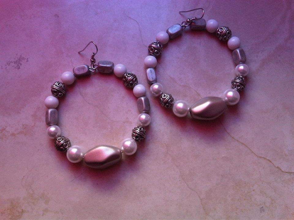 Orecchini perle bianche e argentoni