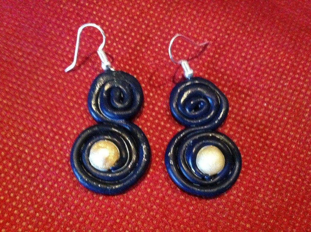 orecchini in pasta fimo con perla