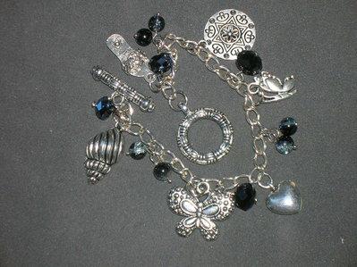 Bracciale charms metallo e pietre