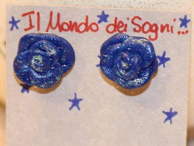 Orecchini roselline blu in FIMO + piccolo OMAGGINO
