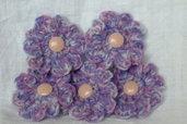 5 fiori in melange lilla e rosa lavorati all'uncinetto.   5 flowers,pink,lilac,melange yarn,crocheted ,supplies