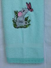 Asciugamano verde acqua,ricamato a telaio.  Bathroom towel,teal,mint green,embroidered