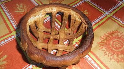 Cestino realizzato in pasta per il pane
