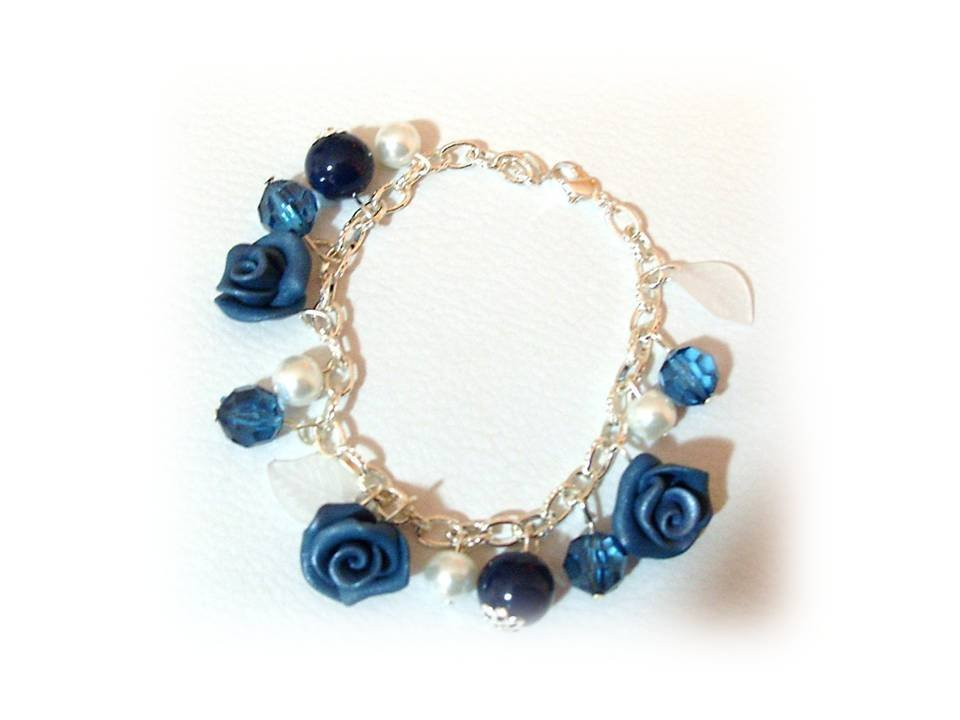 Bracciale rose blu fimo