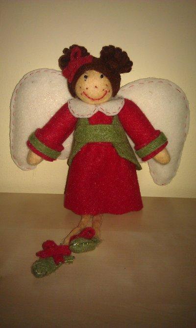 Bambolina di feltro