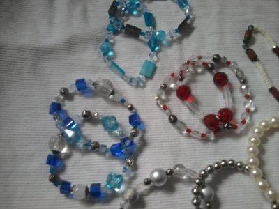 Bracciali e collane artigianali