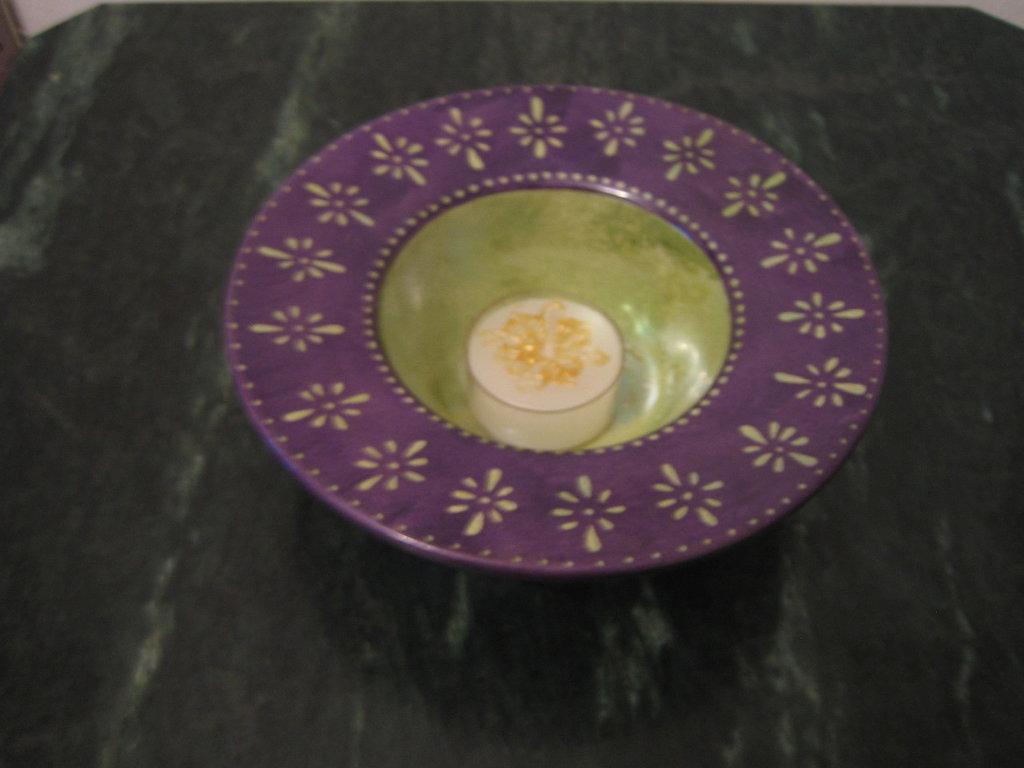 Portalumino in ceramica dipinto a mano