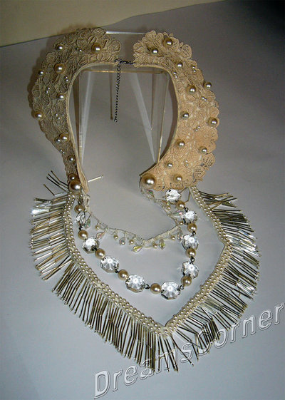 Collana con collo vintage in pizzo macramè, perle, cristalli, con frangia in cannelli di vetro - Cream color italian macrame lace, beads, pearl and Swarovski Crystal - OOAK bridal necklace