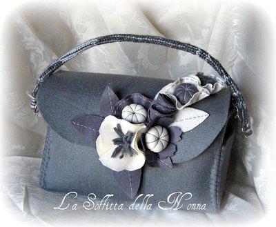 Borsa iris in feltro grigio con fiori