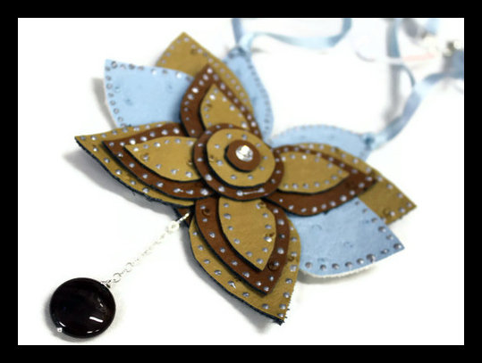 Collana Butterfly beige e celeste