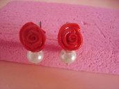 orecchini con rosa