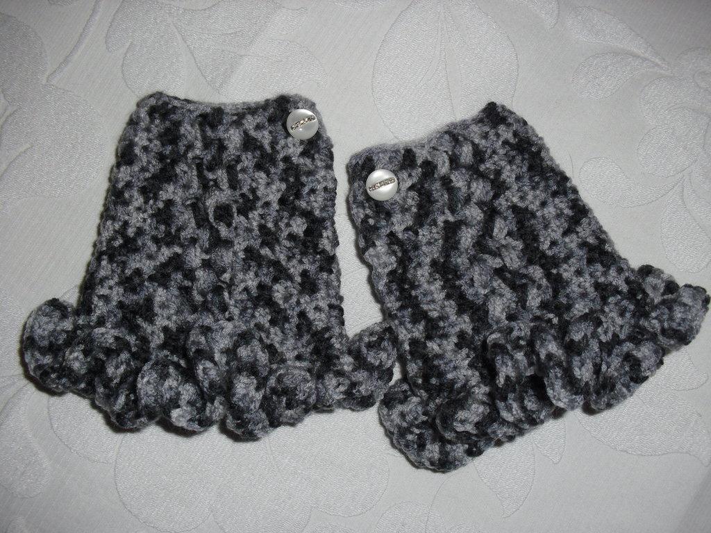 Mezzi guanti con gala