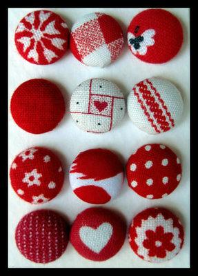 Orecchini bottone toni del rosso