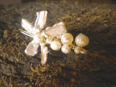 Biwa flower and pearls safety pin brooch