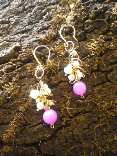 Peals, ruby and gold circles earrings