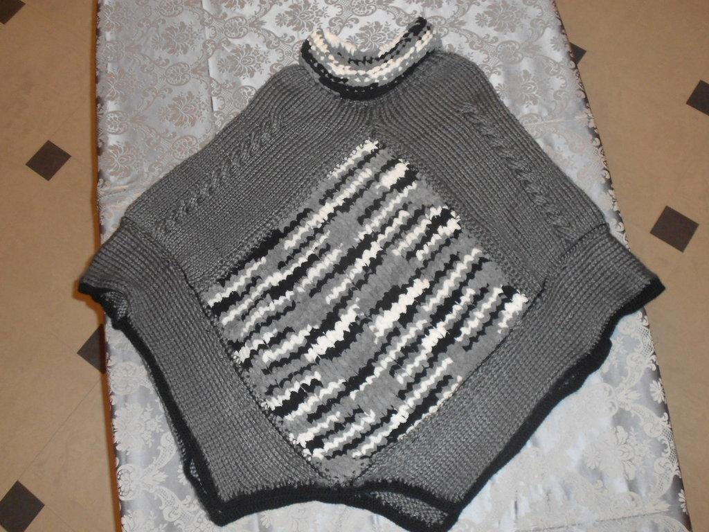 Poncho in lana e ciniglia